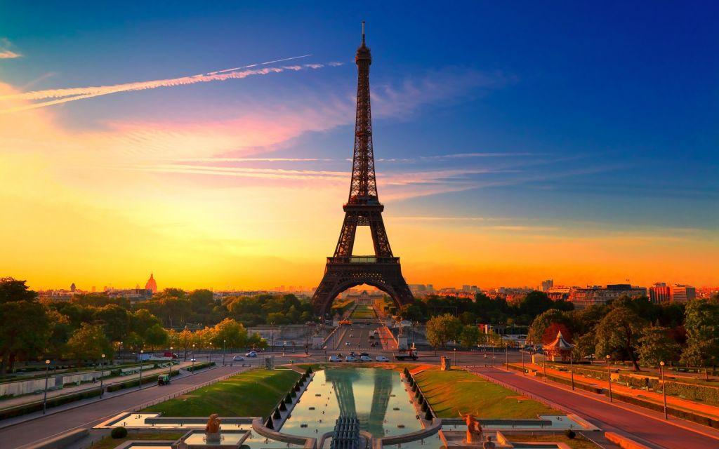 Vé máy bay khuyến mãi du lịch Pháp ngắm mùa thu vàng