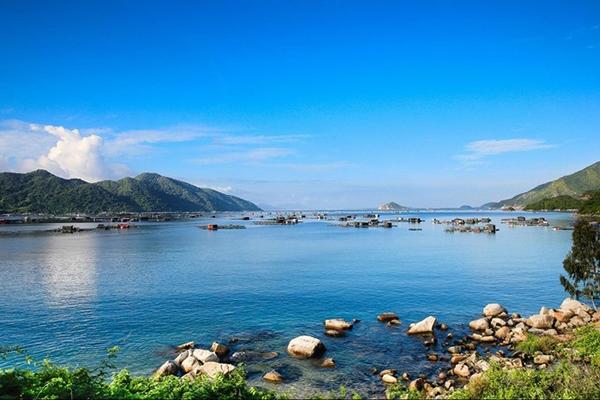 Vé máy bay khuyến mãi đi Phú Yên du lịch
