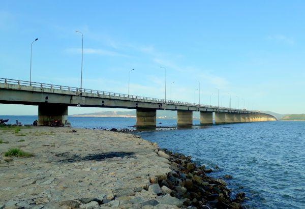 Cầu đầm Thị Nại