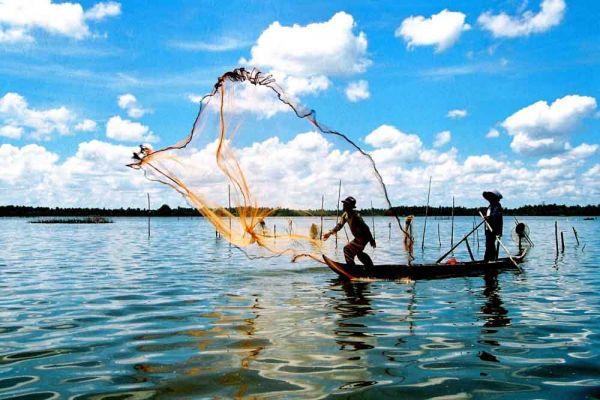 Khu làng chài Hàm Ninh