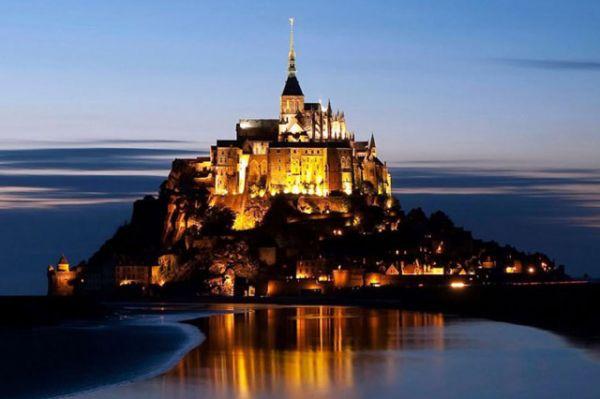 Lâu đài Mont Saint Michel