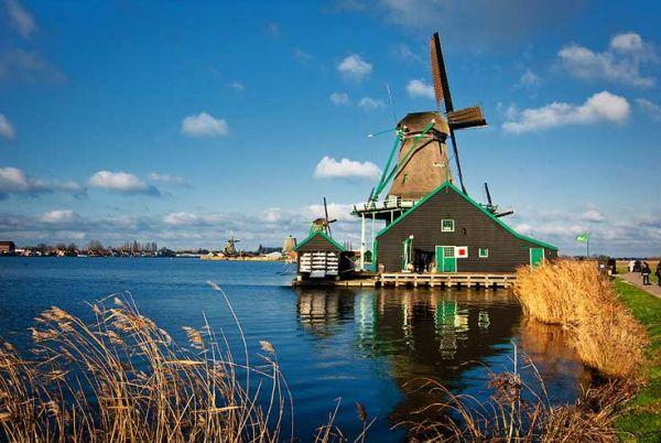 Vé máy bay đi Hà Lan giá rẻ chỉ từ 30 USD/ chiều